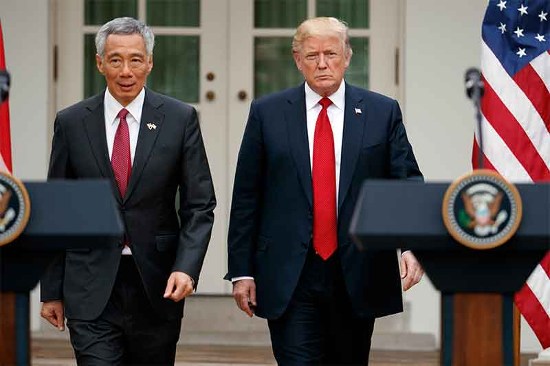 Trump meets Singapore PM Lee Hsien Loong