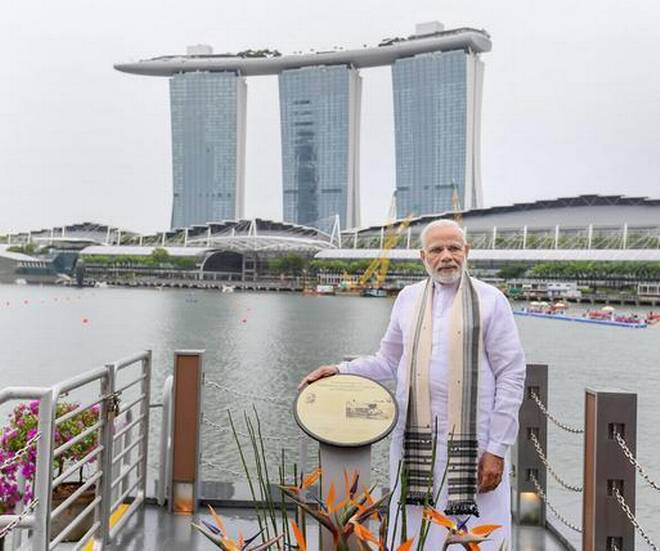 modi singaporejpg