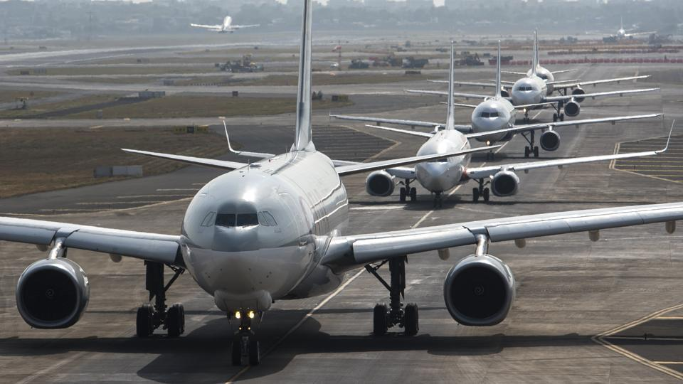 Government set noise standards for airports